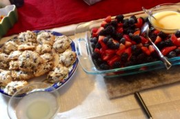 dessert-fruit-and-cookies